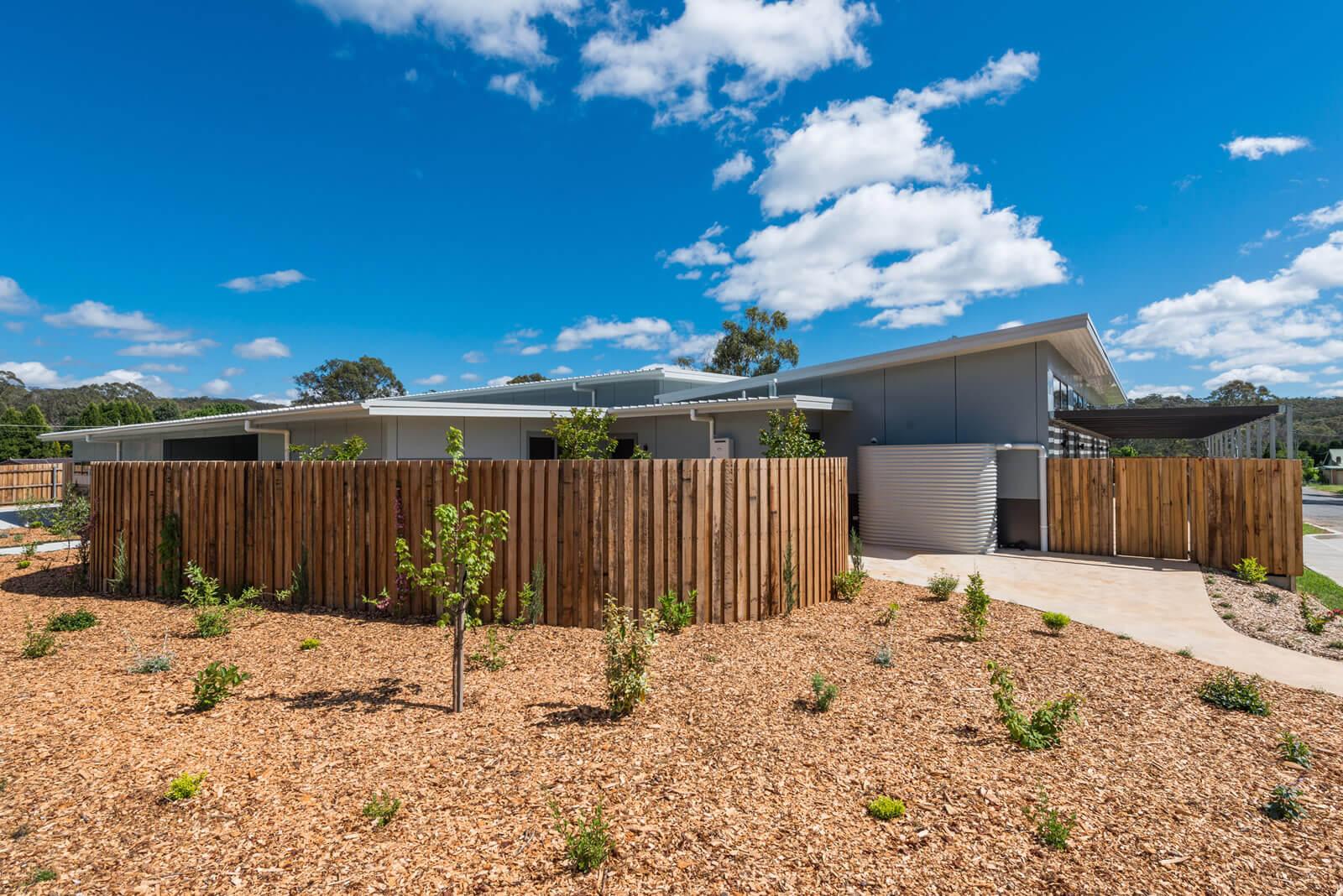 Mittagong community housing by Dobsonei
